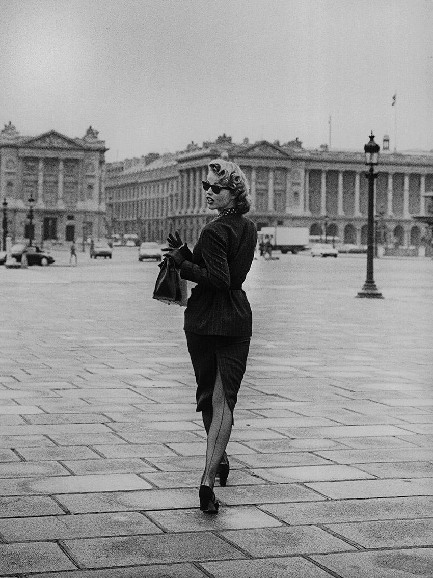 Eva Place de la Concorde